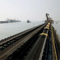 港口PVC格挡式输送机 兴亚手摇升降皮带输送机设备