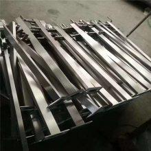 新云供应不锈钢浇铸件、 桥护手支架、桥墩、高速公路护栏支架 量大优惠