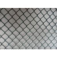 不锈钢勾花网 矿用勾花网车间 隔离围栏网 田径场包塑围网