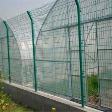 围栏网多少钱一米 运动场围网规格 高速护栏网生产