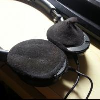 爱科技AKG耳机维修服务公司修理耳罩换线不充电换外壳头梁没声音