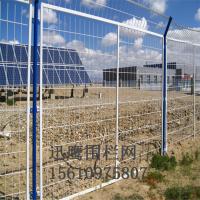双边丝围栏网现货 光伏电站装饰护拦价格 银川市铁丝浸塑围网