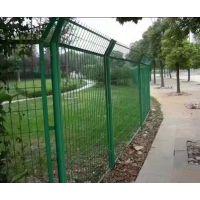 护栏网防护网/包塑铁丝护栏网/绿色浸塑隔离栅厂家