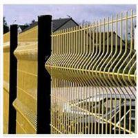 瑞才生产铁丝浸塑三道折弯厂区护栏网(1.8*3米)