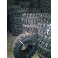12-16.5铲车装载机铲运机实心轮胎羊角花纹