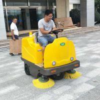 企业使用电动驾驶式扫地车、清洁地面真的 省力、省钱、又省心