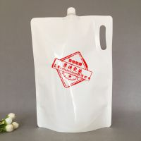 奶白PE2.5L皂角液手提袋定做大水嘴3L汽车清洗液塑料包装袋生产厂家