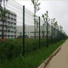 防盗立柱隔离网 云浮公路边防护栏网 厂区桃型柱围栏网 东坑