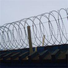 刀片防护网安装 刀片刺绳报价 镀锌刺绳