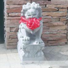 石雕狮子青石家用看门镇宅含球石狮子一对大理石中式传统墓地小狮子曲阳万洋雕刻厂家定做家现货