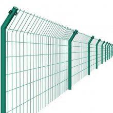 甘肃铁网围栏现货 绿色铁网围栏多钱一米 高速护栏
