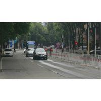 外卖骑手交通违法乱象,不能只依靠道路铁马隔离栏等设施