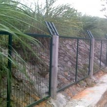 肇庆双边丝防护隔离栅 防爬隔离栏 阳江铁路丝网厂家
