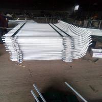 专业生产锌钢草坪护栏喷塑锌钢护栏规格可定制