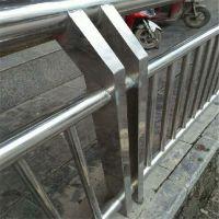 金聚进 厂家定做 街道不锈钢穿管立柱 公路防撞方钢管立柱 空心栏杆护栏