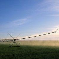 农业灌溉产品自走式平移式喷灌机