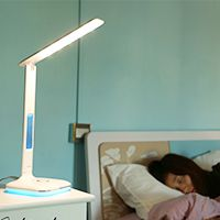 Remax节能灯学习护眼灯睿量牛奶台灯高质量LED台灯护眼灯玻璃材质如白色