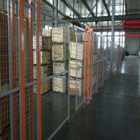 朋英厂家直售车间护栏网浸塑低碳钢丝车间护栏网