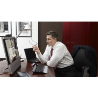 革命性的个人远程呈现产品CISCOEX90与行政办公桌的组合