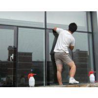 玻璃贴膜怎么贴的过程_窗户玻璃贴膜 隔热膜