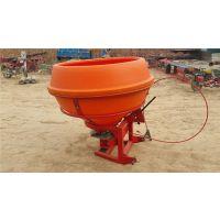 禹城市瑞乾机械设备有限公司供应18-100马力拖拉机带的大幅颗粒肥塑料桶撒肥机,扬肥机