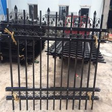 养殖围栏网厂 金属网片防护栅栏 锌钢楼梯护栏哪家好