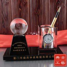北京市定做研究院院庆纪念品,年终表彰会议纪念品,实用会议水晶办公摆件制作