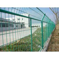 框架护栏网坚固耐用,美化环境,防护性能好,性价比高