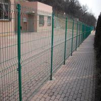 安平双边丝护栏网厂家 浸塑公路双边丝护栏 绿色浸塑道路防护网