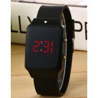 国鑫和外贸新款 礼品手环表高端大气 硅胶LED学生电子手表