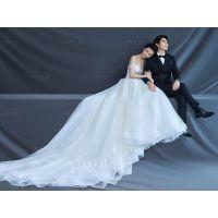 拍婚纱照时新人如何用姿势遮挡缺陷