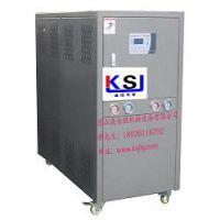 冷水机厂家直销风冷式冷水机配件均采用进口品牌,质量保证、价格实惠。深受新老客户喜爱。欢迎来电咨询:1