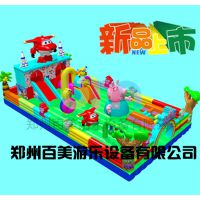 湖北十堰儿童充气滑梯粉红猪小妹造型超可爱!