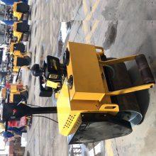 贵州小单轮压路机/河北加油枪保养压路机/周口自动洒水压路机