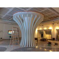湖南长沙市文化展厅包柱哑光白扭曲形铝方通幕墙