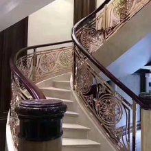 别墅装饰楼梯玫瑰金不锈钢镂空雕花护栏,不锈钢焊接阳台护栏