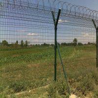 双边丝护栏网厂家 公路防护网 Y型柱防御网
