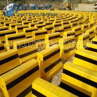 水泥隔离墩济南辉腾厂家直供500*500小区用黄黑色隔离墩 量大从优混凝土防撞墩