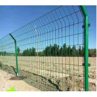 厂价直销 双边丝护栏网 圈地围栏网 铁丝网 围栏图片