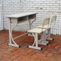 课桌椅就选长春自己的厂家