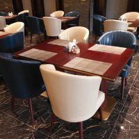 无锡商务酒店餐桌椅 宾馆早餐桌椅时尚酒店实木桌咖啡厅U型仿木椅