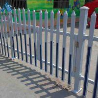 厂家PVC草坪护栏 白绿相间