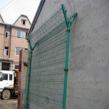 工业厂区围网 铁丝网现货 桃型柱护栏