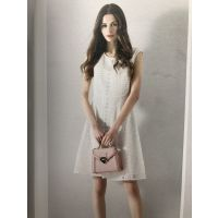 万商白马服装批发市场品牌折扣女装排行榜加盟一手货源慕拉欧美连衣裙
