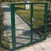 朋英厂家供应铁路护栏网浸塑铁丝网铁路护栏网