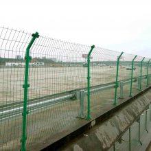 广州双边丝护栏网大量现货 常用于圈地 绿化隔离 高速公路防护使用