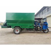 电动三轮车运送撒料车 减少劳动力的喂养机械 一次喂养抛撒车 润众
