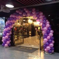 郑州气球门制作 郑州崭新彩虹气拱门气柱空飘气球活动现场布置