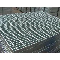 由325扁钢组成的钢格板,经热镀锌后,外观亮而美观。优质钢格板厂家为您推荐