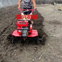 杨树苗开沟培土机 富兴背负式锄地除草机 果园开深沟施土杂肥埋填机价格